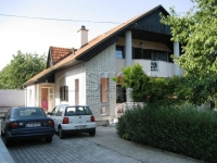 Slovenian home for rent - KOSEZE