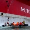 Greenpeace activists held in Russia